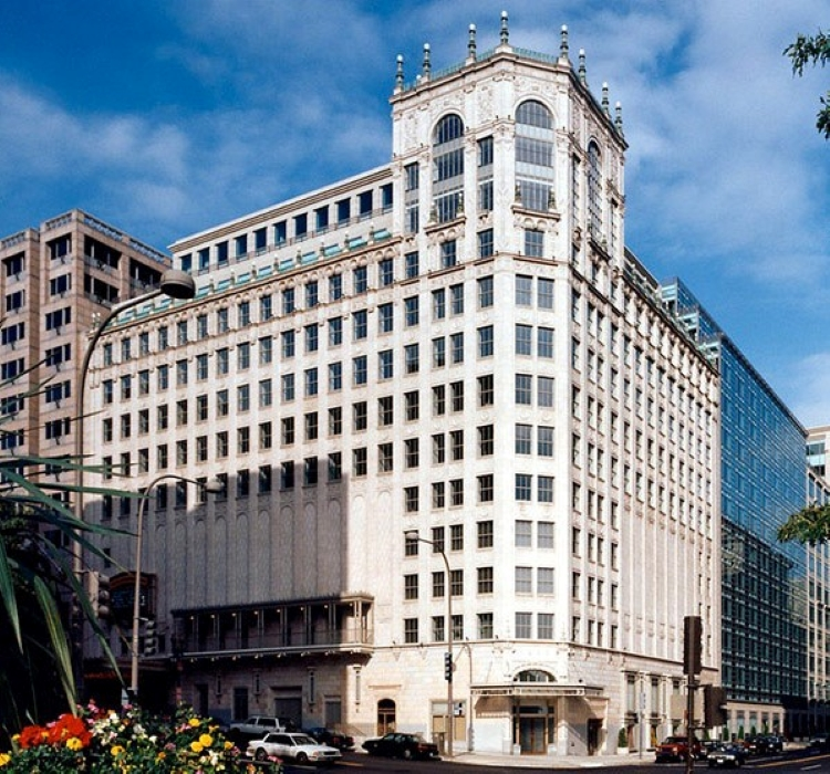 THE WARNER THEATRE OFFICE BUILDING