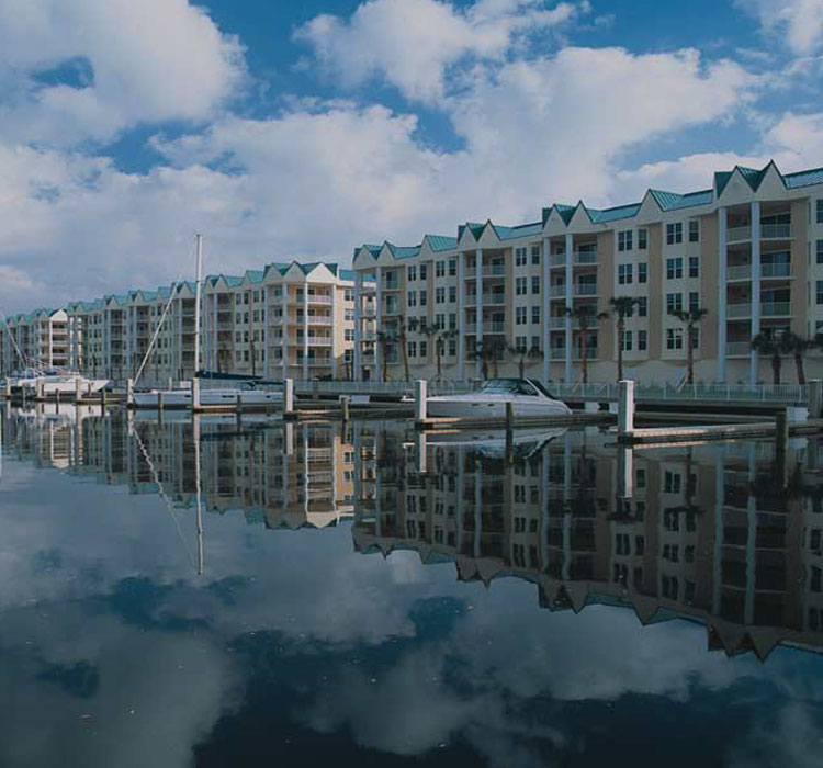 HARBOUR VILLAGE GOLF AND YACHT CLUB